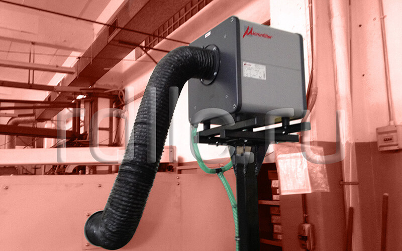 Размещение фильтра удаления масляного тумана (паров СОЖ) Kube на стойке (горизонтальная установка | гибкая подводка)
